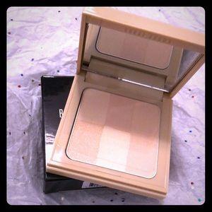 Bobbi Brown nude finish illuminating powder bare